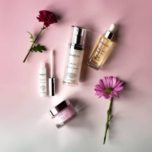 A fusion of effective ingredients and skin compatibility is imperative to your skincare routine.🌸  What is your go to Symbiosis London product?