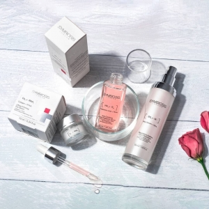 This month we're all about brightening skincare ✨ ​ - [Bee Venom + Mica] - Beautifying Ageless DUO Moisturiser - [Rose + Hyaluronic Acid] - Anti-Oxidising Rose Radiance Serum - [R.N.A.+ Collagen] - Lifting & Firming Eye Serum