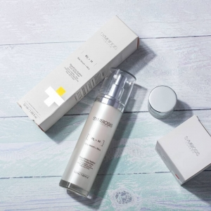 Symbiosis Beautifying Ageless DUO Moisturiser contains a combination of essential daily vitamins, antioxidants, moisturisers and lipids blended in a silky formula that aims to instantly plump and smooth the skin by blurring fine lines and wrinkles✨