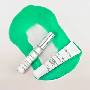 """""""I regret taking such good care of my skin."""" - said no one ever.💚  Start with our[Hyaluronic + Lactic Acids] - Redensifying Lip Serum which aims to hydrate, soften and protect your lips through revolutionary ingredients Mint and Lactic Acid.  Take care of your skin with our[Granactive AGE + Isododecane] - Instant Granactive Age Line-Lifting enriched withGoji berries, Granactive AGE and Isododecane that help reduce the appearance of wrinkles. """
