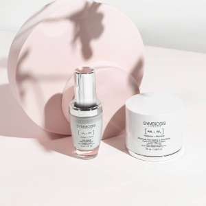 Looking to strengthen your skin's natural barrier?✨  Our Daily Serum protects and corrects the look of skin, helping shield it from environmental stressors and intercepting future ageing signs to dramatically improve the look of sun-damaged skin!