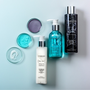 New year, new products of the month!   🌟[Zinc + Tocopherol] - Purifying & Redensifying Cleaning Gel 🌟[Activated Charcoal + Propanediol] - Purifying & Imperfections Correcting Micellar Water 🌟[Hyaluronic Acid + Sweet Almond] - Pore Minimiser & Mattyfing Milk Tonic . . . #productsofthemonth #featuredproducts #cleanse #cleanser #micellarwater #bodymilk #symbiosislondon #symbiosisskincare #skincarescience #skincareroutine #skincareproducts #crueltyfree
