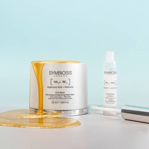 Have your skin radiate and feel as good as gold🍯  May's products of the month both have added wonder ingredients such as Hyaluronic Acid and Retinoids thatinstantly helps improve the appearance of fine lines and wrinkles.  -[Hyaluronic Acid + Retinoids] - Full Neck Firmness Enhancing Treatment  -[Hyaluronic + Lactic Acids] - Redensifying Lip Serum