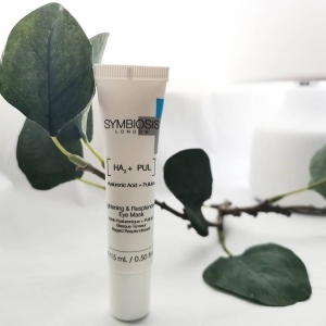@my_skin_my_glow is currently trying out ourTightening & Resplendent Eye Mask👀  ThisEye Mask helps tighten, rejuvenate and brighten the delicate eye area! 