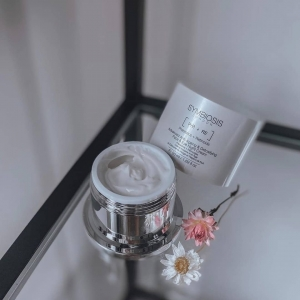 Symbiosis Advanced Anti-Ageing & Detoxifying Face & Eye Night Cream aims to intensely hydrate skin, replenishing the skin's surface and visibly reducing pores, fine lines and wrinkles💧